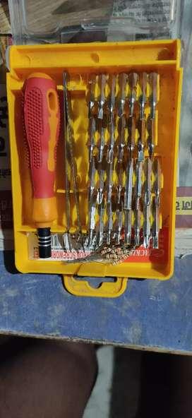 30 in 1 screwdriver