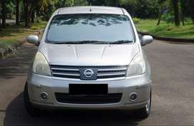 Nissan Grand livina 1.5 ultimate AT 2010