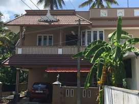 3.1 cent's land 1600 sqft 3 BHK Old House for sale Rs. 68 lakhs