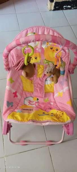 Dijual preloved bouncer rocking chair / tempat tidur duduk bayi