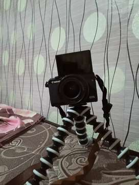 Camera Canon m100