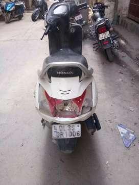 Honda activa 4 G white