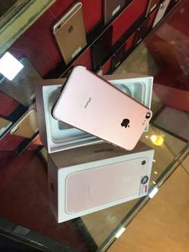 Apple iphone 7 rose gold colour in mint condition