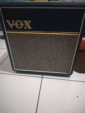 Vox ac4c1 blue amplifier