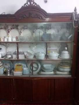 Showcase for sale 10/8 condition in very cheap prize