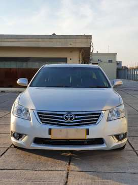 Toyota Camry 2.4 V 2011 Silver Automatic siap pakai