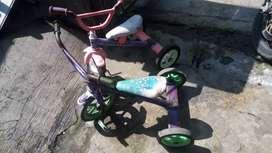 Speda anak roda 3