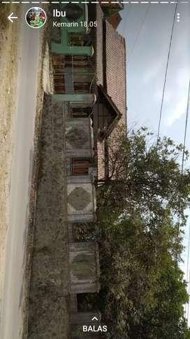 Dijual tanah luas kurang lebih 1200 M² bonus 2 bagunan rumah