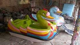 sepeda air fiberglass hijau, bebek goes atau bebek wahana air