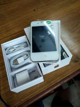 New packed APPLE IPHONE 4S 16GB ( delivery free in delhi only)