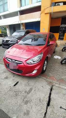 Hyundai Grand Avega 2013 a/t KM rendah
