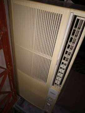 Air Conditioner 0.75 ton window portable with converter MADE IN JAPAN