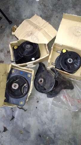 JUAL CEPAT ENGINE MOUNTING MOBIL SUZUKI X OVER 2008 MULUS