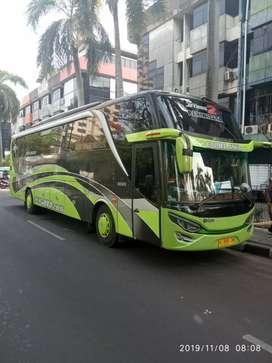 Bus khusus pariwisata karoseri adiputro jet bus 2 HDD