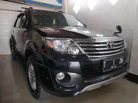 Toyota fortuner G trd s tahun 2013 matik hitam