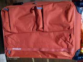 Good Conditioned Trolley Bag.- American Tourist