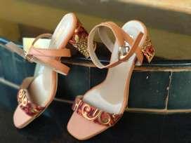 Branded Anouk Heels