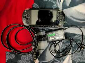 ORIGINAL SONY PSP WITH CHARGER