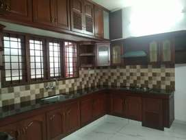3000 sqft building in 3.5 cents near panampilly nagar