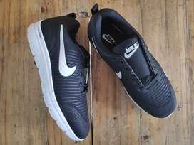 Nike Zoom Hitam / Navy
