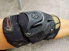 Knee protector scoyco (pelindung lutut)