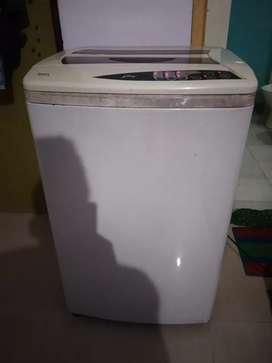 Godrej automatic washing machine in good running condition.
