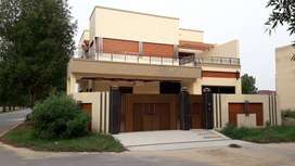 10 Marla cornor house for sale in city houing sialkot
