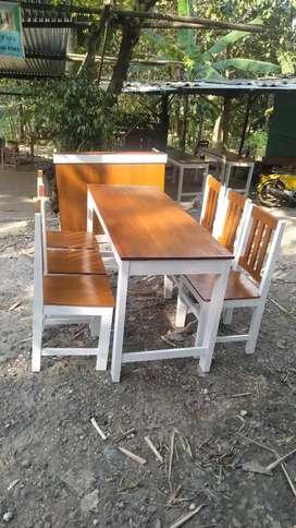 Meja kursi set makan