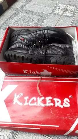 Sepatu safety no.42