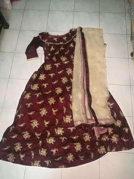 Dress welvet material kasab embroidery