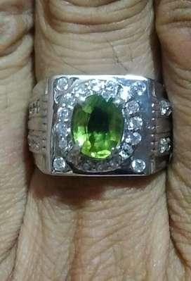 Natural Green Peridot dengan cincin perak