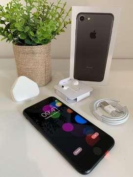 Saya Jual iPhone 7 128Gb Jet Black (Fullset , Original)