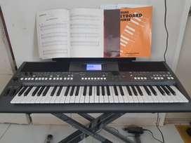 JUAL Yamaha PSR S670