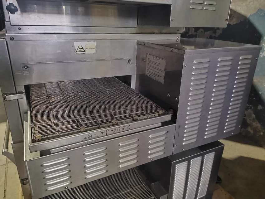 Conveyor belt pizza oven jk Korean fast food machinery setup