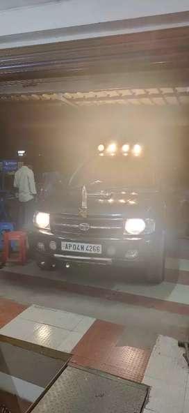 Tata Safari black Good condition good milage