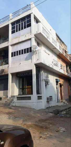 4 FLOORS INTERCONNECTED -Office/Shop in Prime location of AGRA