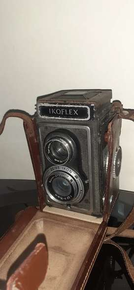 Zeiss Ikon IKOFLEX TLR Vintage  Film Camera