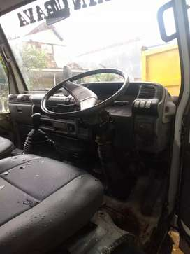 isuzu elf 135 ps 2002 Dam