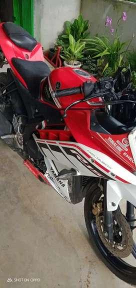 Yamaha r15... Merah meriah