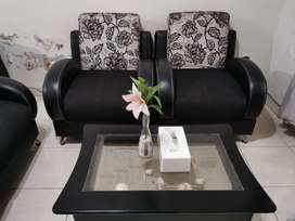 Sofa Minimalis Merek New Eyes 4 Seater (2.1.1) + Meja Kerang