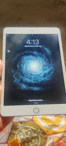 iPad mini 3 gold colour. Wifi only.