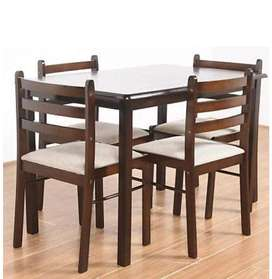 4-seater Dining Table Modern Look