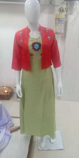 Salesmen required for garment shop in bandra.
