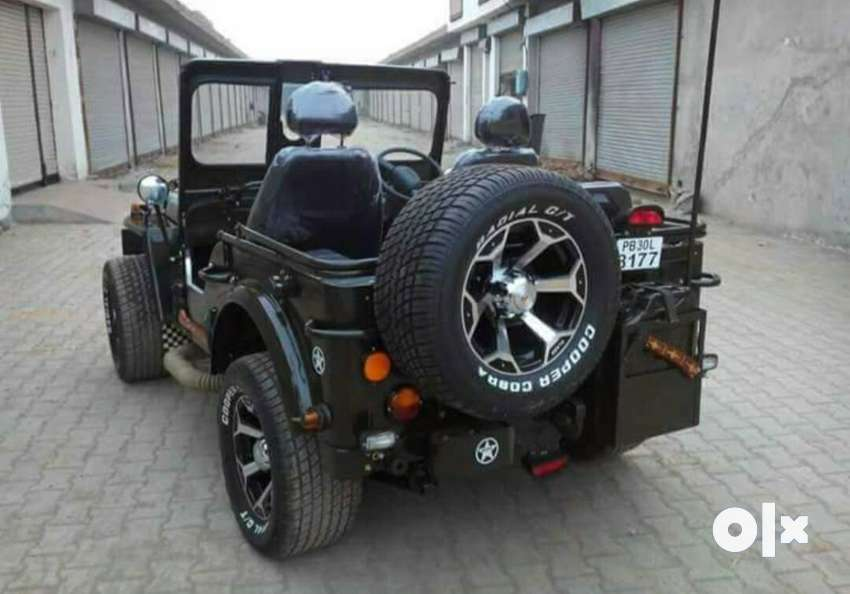Ford white jeep, bumpers footrest, open hud, 0