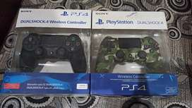 Ps4 version 2 Controllers sale new condition