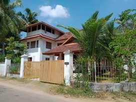 10 cent 3000 sqft 4 bhk  posh house at paravur vazhikulangara athani