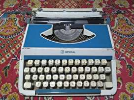 Vintage imperial typewriter working condition
