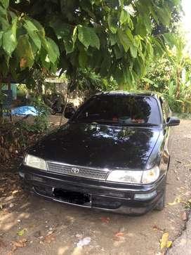 Corolla tahun 1994 warna hitam