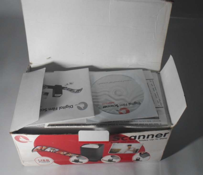 Digital Film Scanner: Thumbs up (UK) Limited (in brand new condition) 0