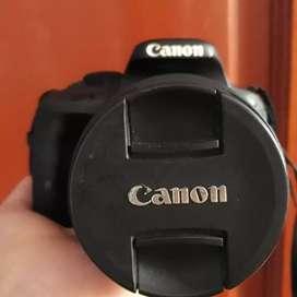 Jual cepet kamera canon eos 100d.masih mulus jarang pake bnyk plus nya